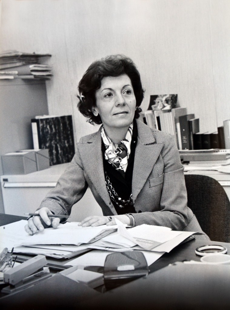 Fausta Deshormes La Valle in her office in the Berlaymont building. (HAEU, FDLV-70)
