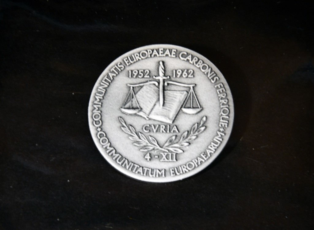 Photograph of the commemorative medal marking the 10th anniversary of the Court of Justice of the EC