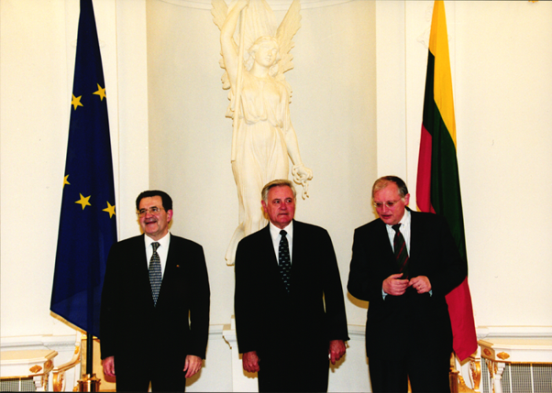 Valdas Adamkus, President of the Republic of Lithuania meeting with Romano Prodi, President of the European Commission in Vilnius, 11th February 2000 (HAEU, RP 493-08)