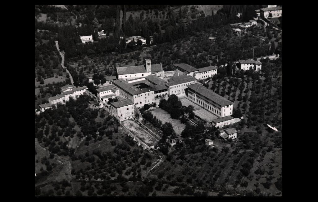 Aerial view of Badia Fiesolana [1976] (Unknown author / HAEU, EUI 687)