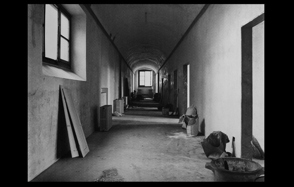Renovation work on the President's Corridor in 1976 (Unknown author / HAEU, EUI 644)
