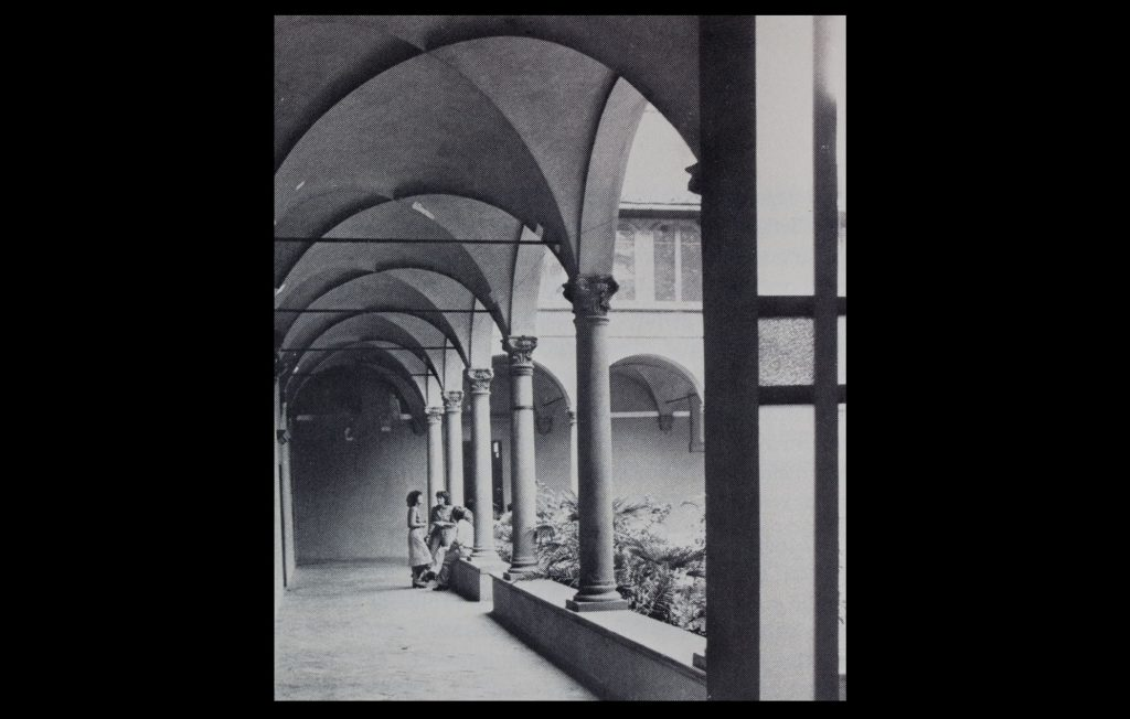 The Cloister of the Badia Fiesolana in the early 1980s (Unknown author / HAEU, EUI 1195)