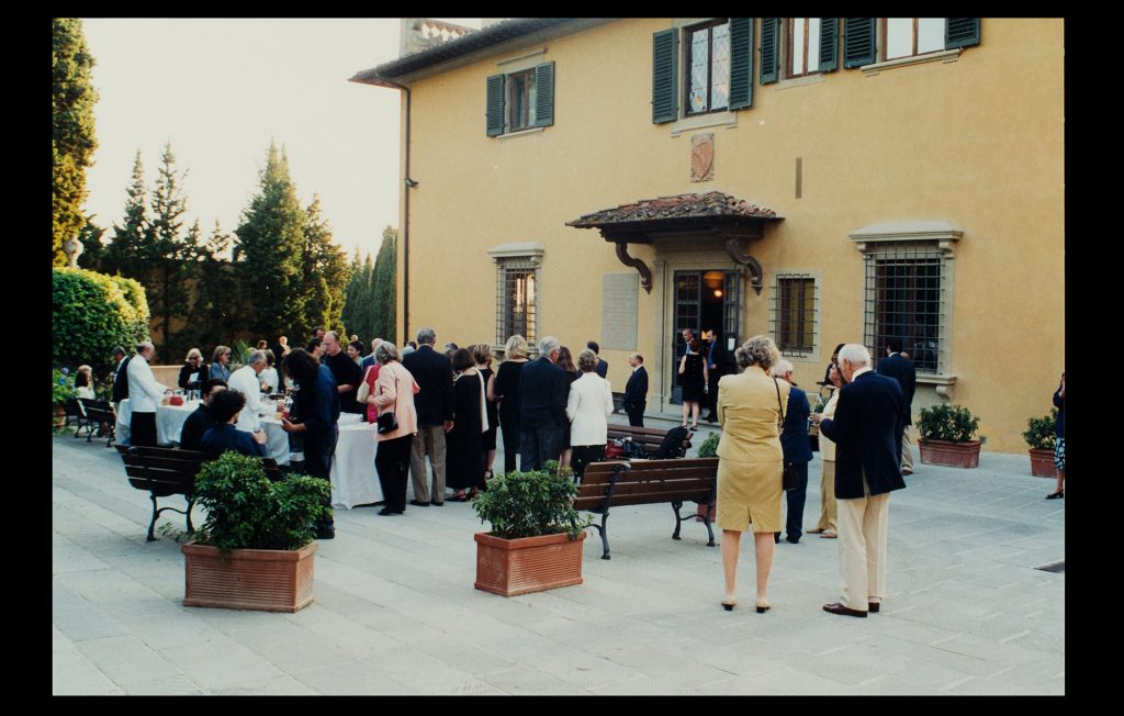 Reception before a concert at Villa Schifanoia on 13 June 2002 (Unknown author / HAEU, EUI 1451)