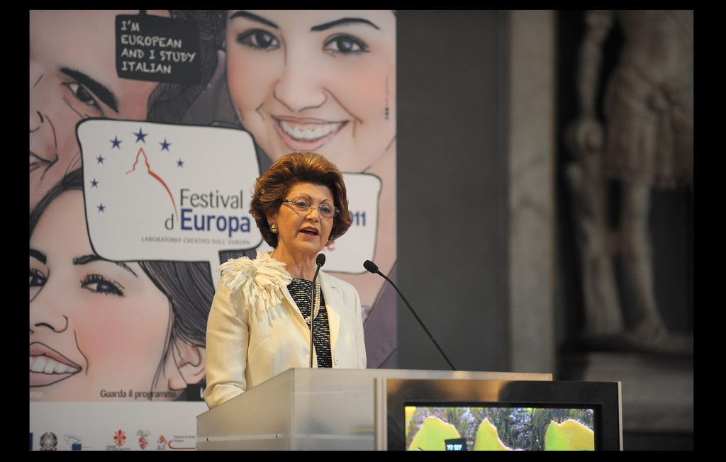 Androulla Vassiliou, European Commissioner for Education, Culture, Multilingualism and Youth, giving a speech at the first State of the Union conference in 2011 (European University Institute)